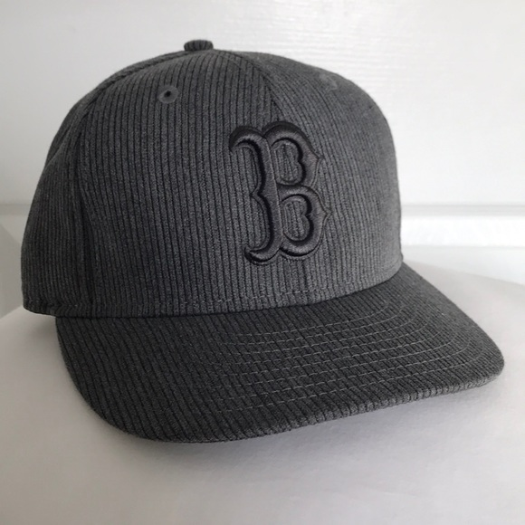 4a0eb0f5477 Gray Corduroy NEW ERA 59FIFTY Boston Red Sox Cap. M 5a36b4eb3a112e2ee10128a0